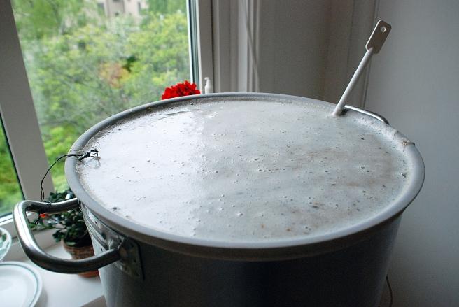 Vid mashout har jag tillsatt 6-7 liter kokande vatten för att snabbare nå 75 °C